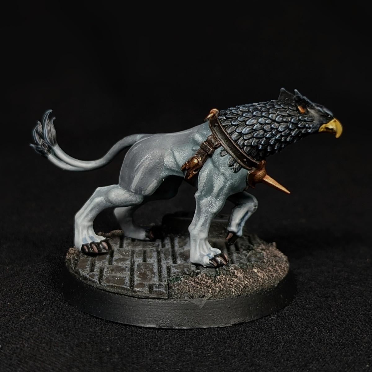 Gryph-hound (Dark Grey)